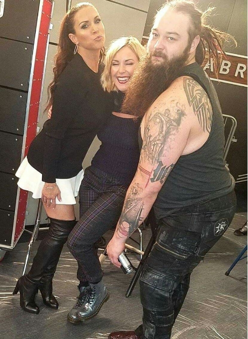 Does the guy on the right look like an evil backwoods cult leader with mystical powers or the tatted up,PBR-pounding bartender friend that got you tickets to the NOFX show on Thursday? -