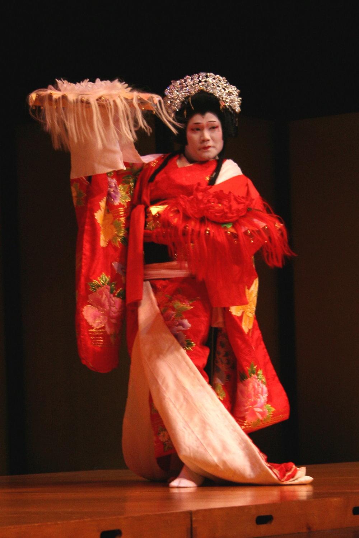 "Nagauta ""Hanafusa Shūjaku jishi"" 長唄「執着獅子」 Nakamura Gankyō (AKA Bandō Hirohichirō)  Photographer: Paul Yamaguchi"