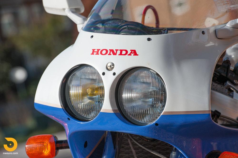 1990 Honda RC30-19.jpg