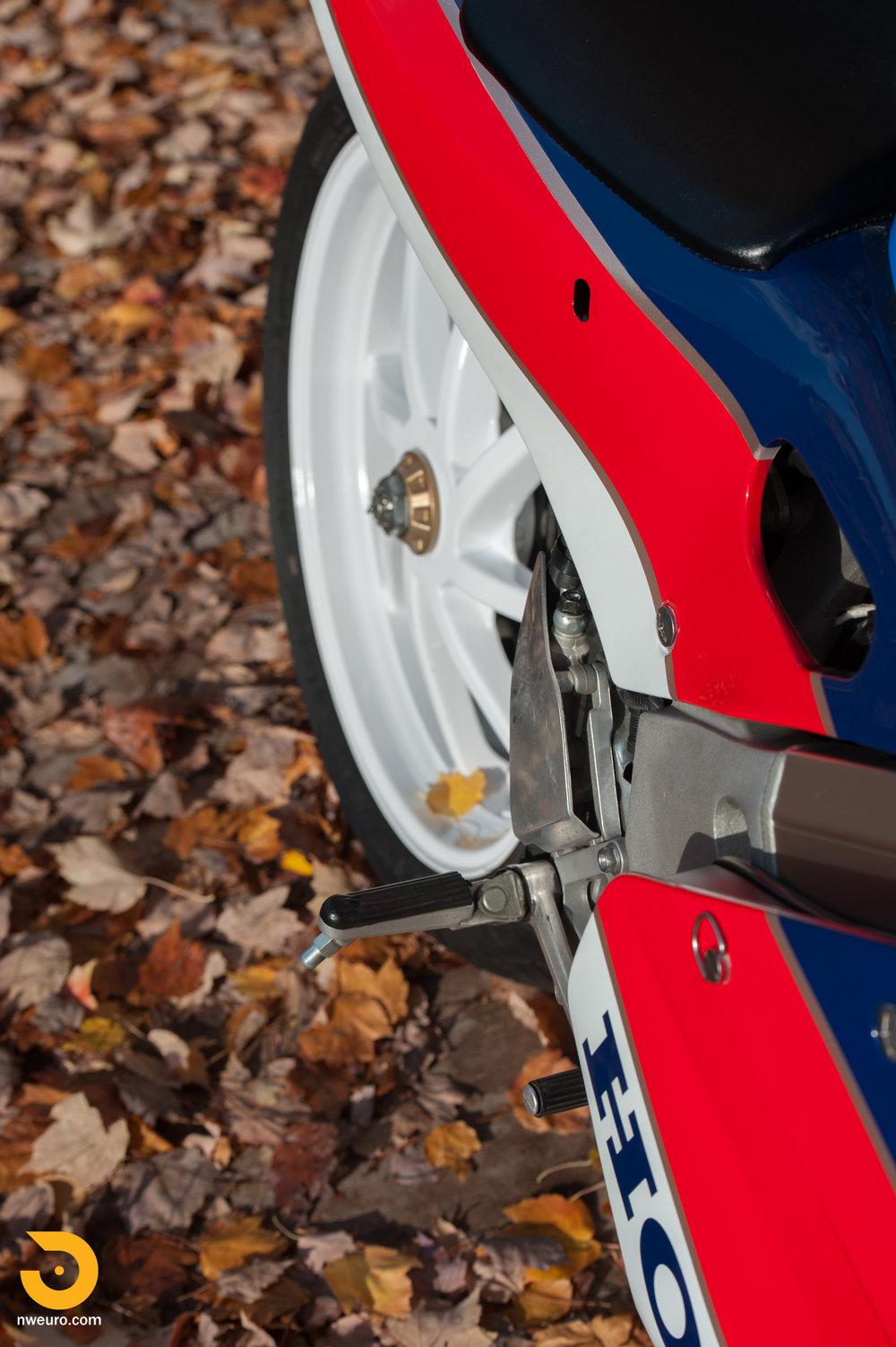 1990 Honda RC30-21.jpg