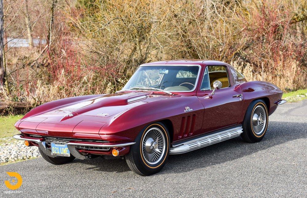 1966 Chevrolet Corvette 427 Coupe-33.jpg