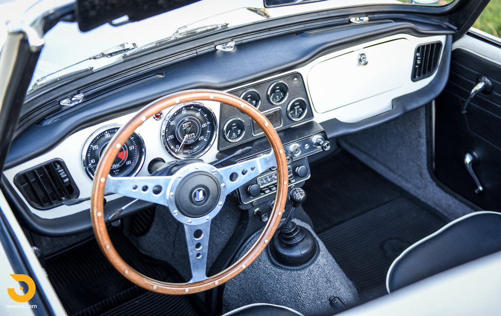 1965 Triumph TR4A-13.jpg