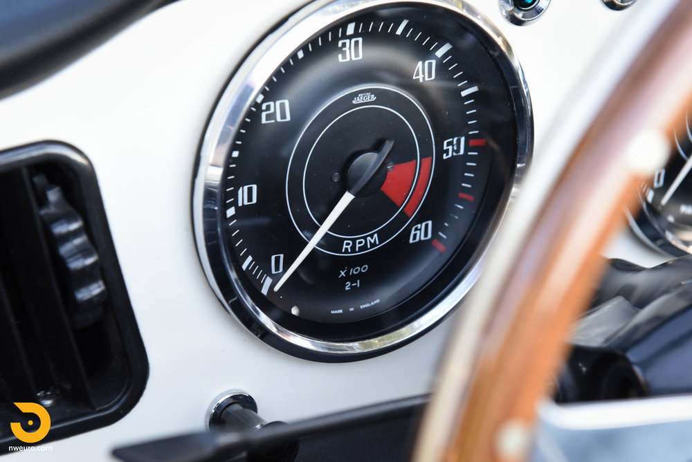1965 Triumph TR4A-16.jpg