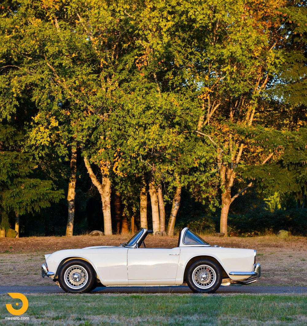 1965 Triumph TR4A-62.jpg