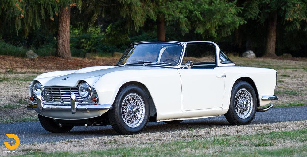 1965 Triumph TR4A-64.jpg