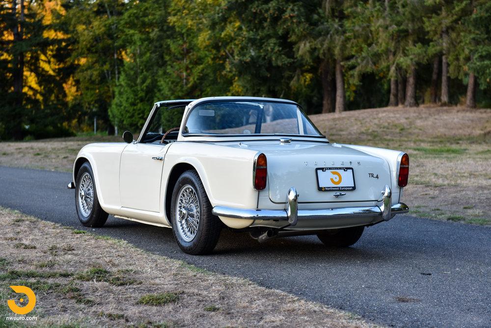 1965 Triumph TR4A-67.jpg