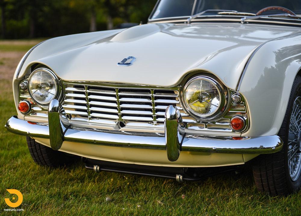 1965 Triumph TR4A-71.jpg