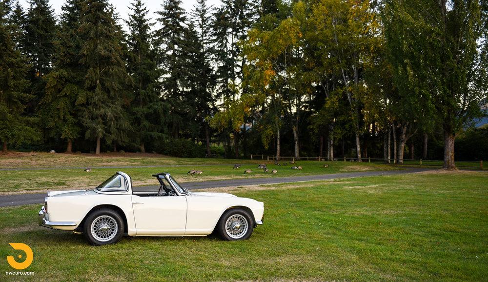 1965 Triumph TR4A-74.jpg
