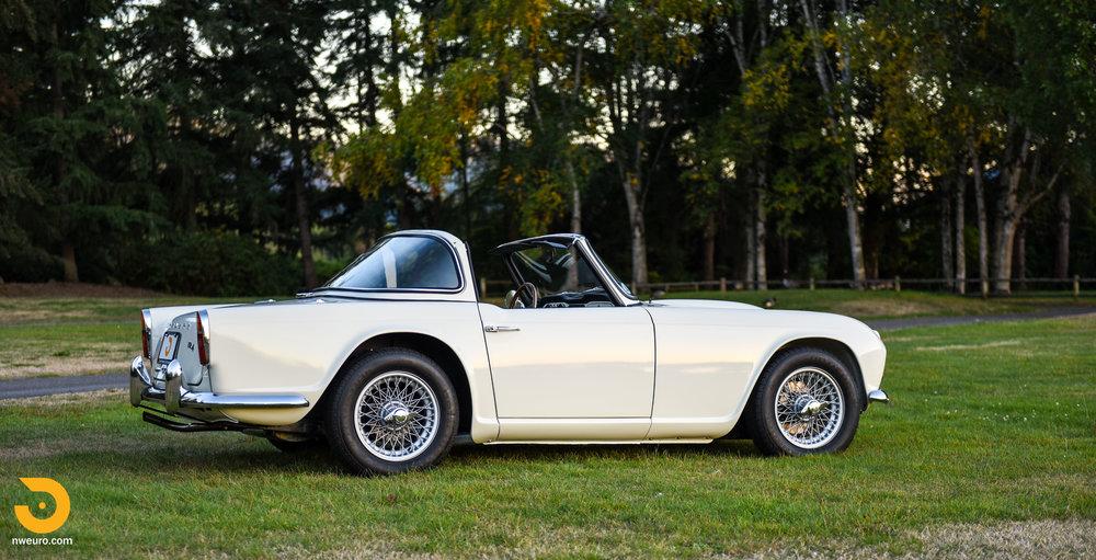 1965 Triumph TR4A-76.jpg