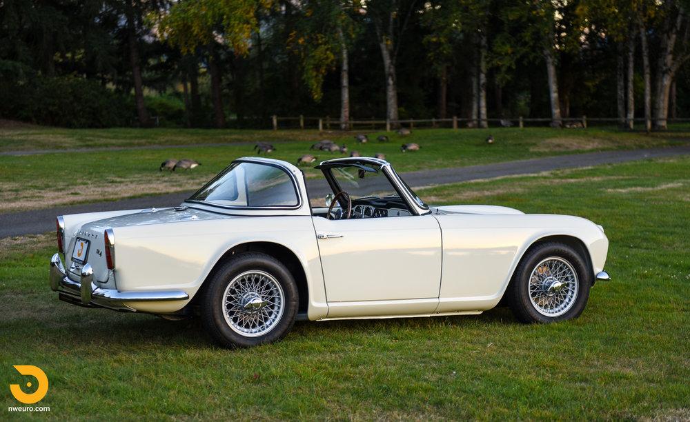 1965 Triumph TR4A-75.jpg