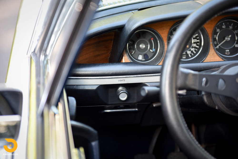 1973 BMW 3.0 CS-35.jpg