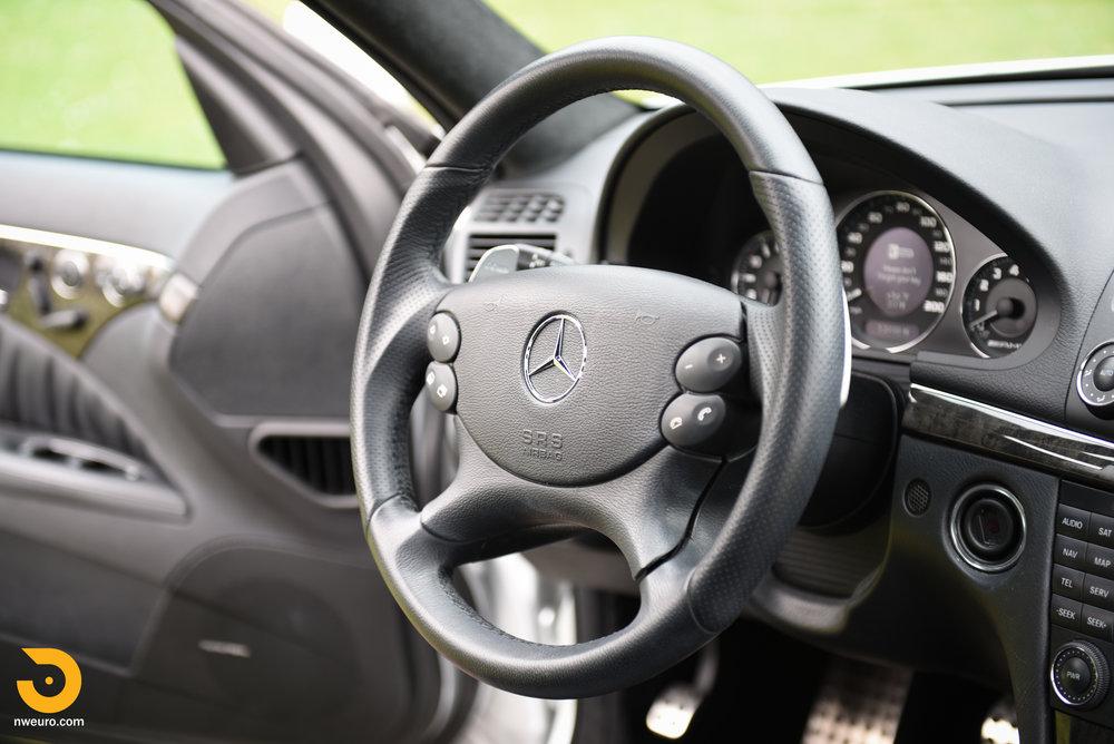2007 Mercedes-Benz E63 AMG-17.jpg