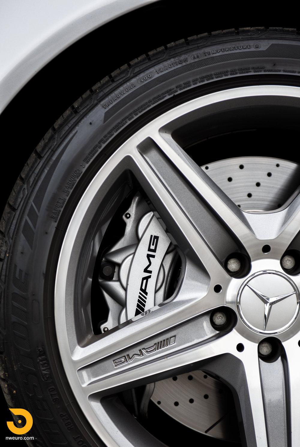 2007 Mercedes-Benz E63 AMG-72.jpg