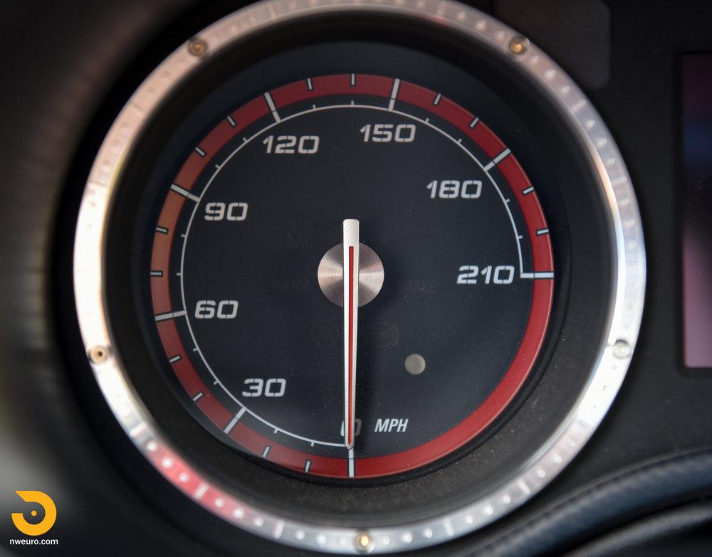 2008 Alfa Romeo 8C Competizione-30.jpg