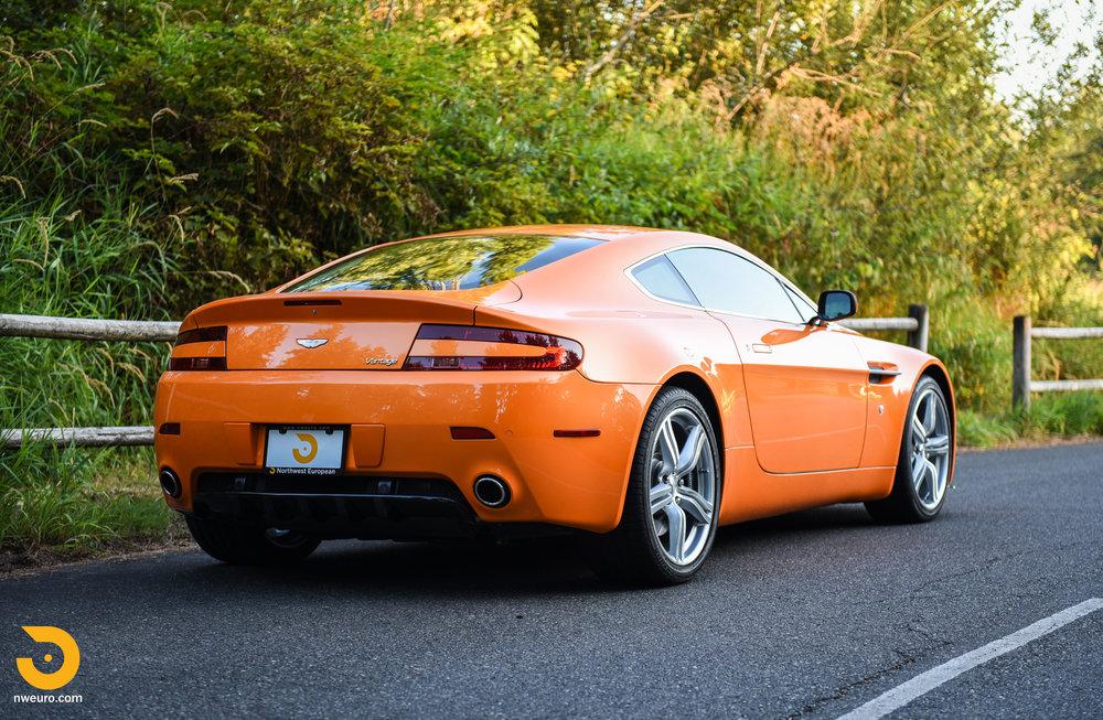 2009 Aston Martin V8 Vantage-1.jpg
