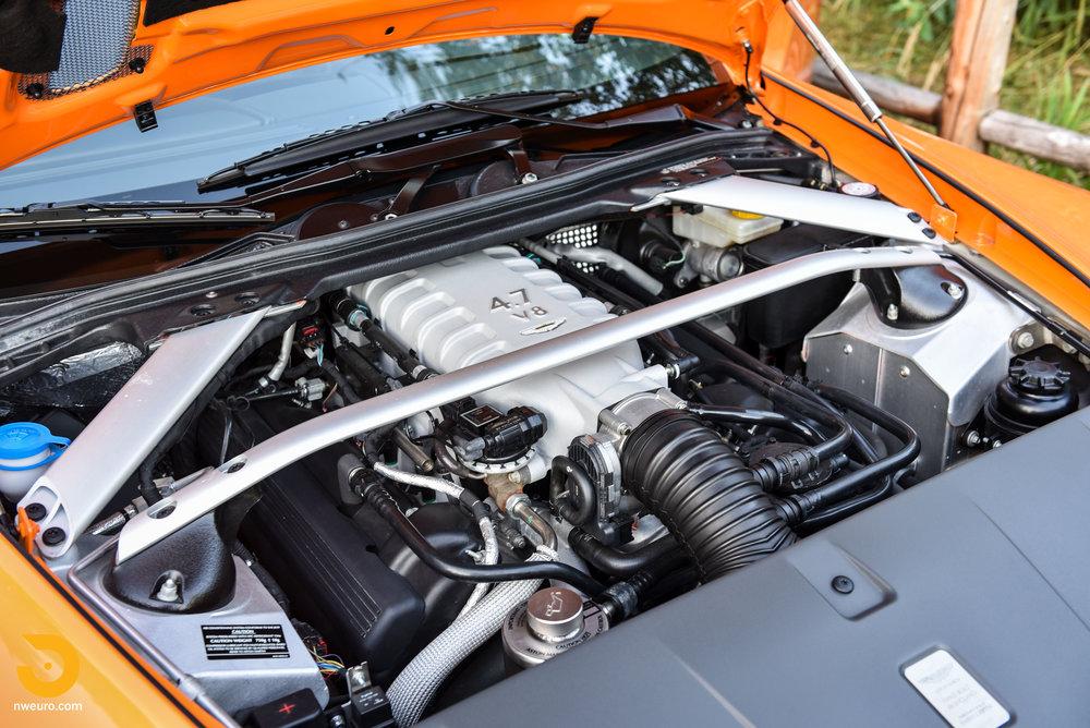 2009 Aston Martin V8 Vantage-15.jpg