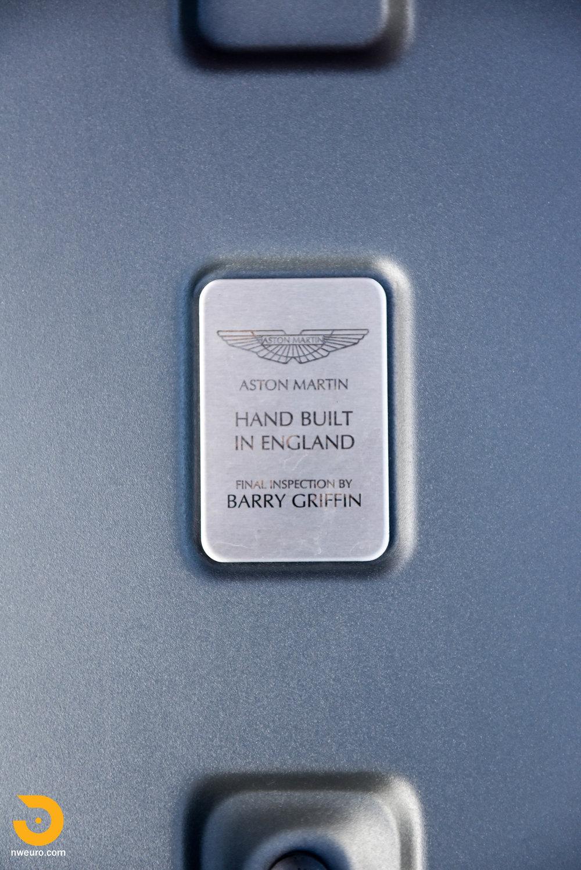 2009 Aston Martin V8 Vantage-16.jpg