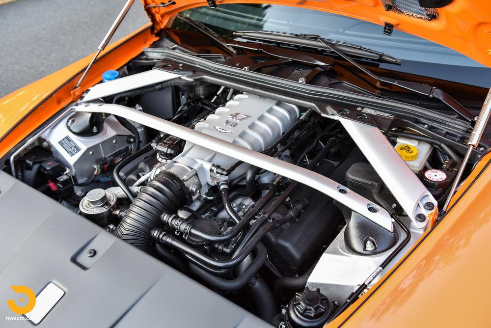 2009 Aston Martin V8 Vantage-17.jpg
