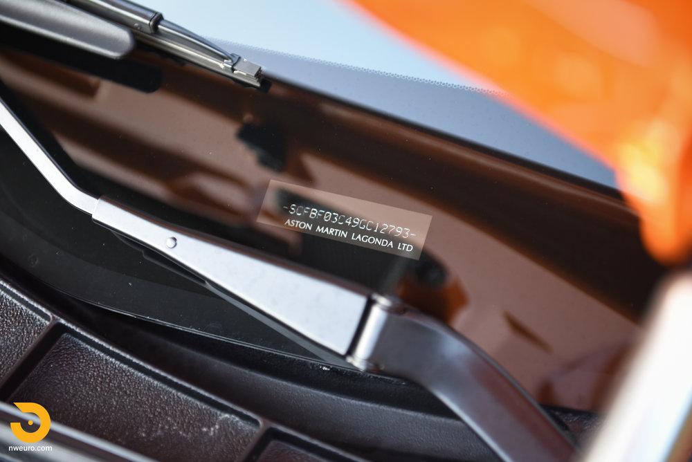 2009 Aston Martin V8 Vantage-19.jpg