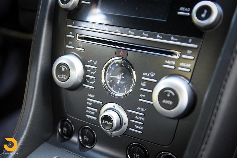 2009 Aston Martin V8 Vantage-27.jpg
