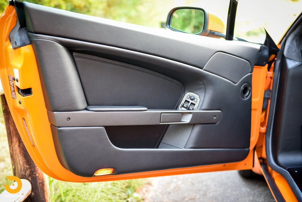 2009 Aston Martin V8 Vantage-30.jpg