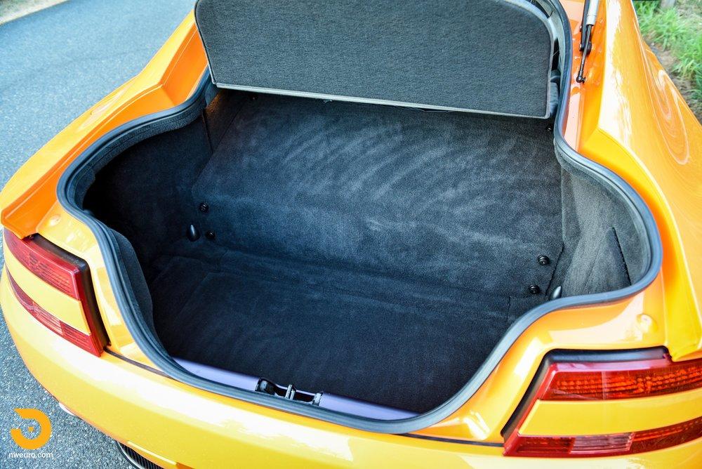 2009 Aston Martin V8 Vantage-32.jpg