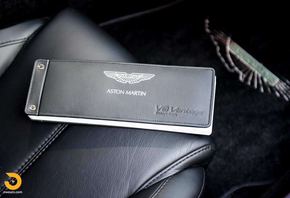 2009 Aston Martin V8 Vantage-49.jpg