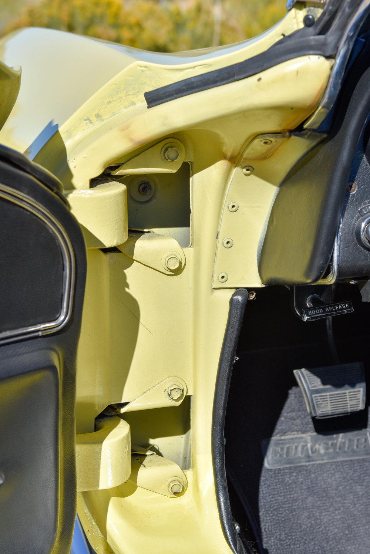 1966 Corvette 427 Roadster-13.jpg