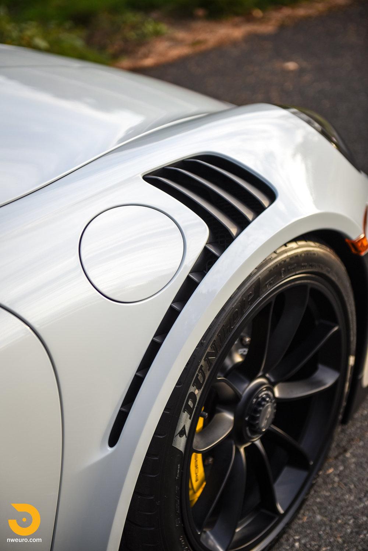 2016 Porsche GT3 RS-12.jpg