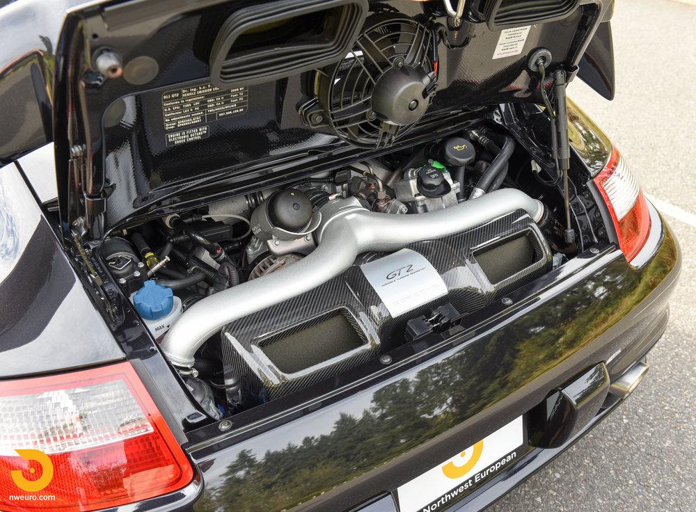 2008 Porsche GT2-10.jpg