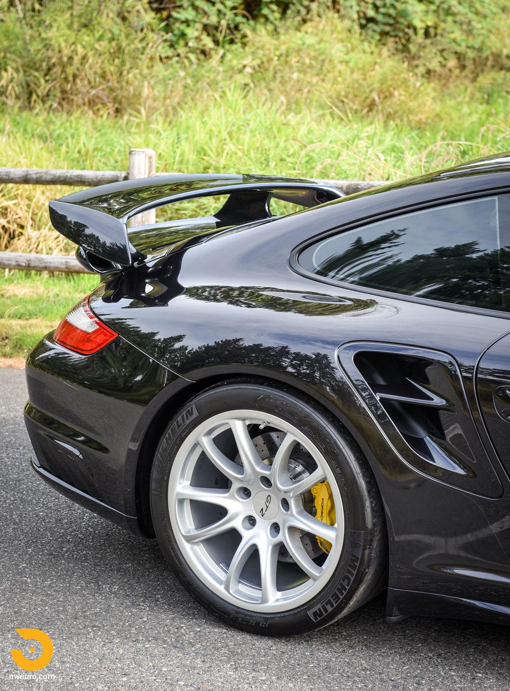 2008 Porsche GT2-26.jpg