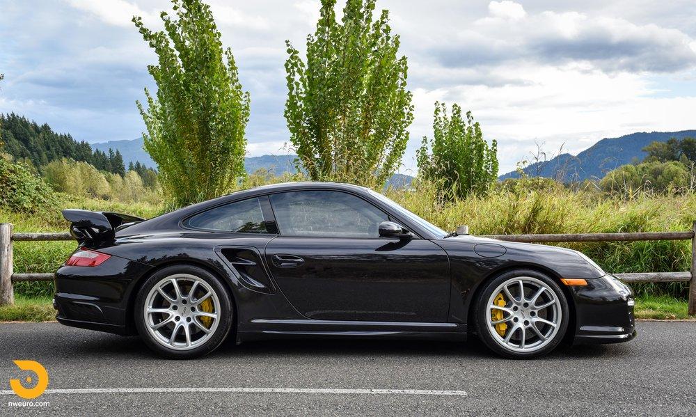 2008 Porsche GT2-30.jpg