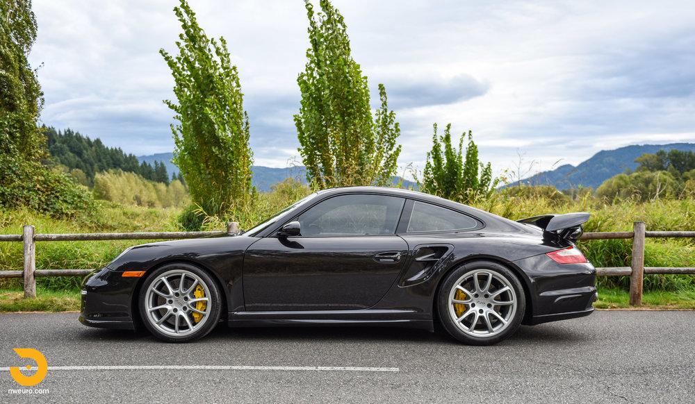 2008 Porsche GT2-61.jpg