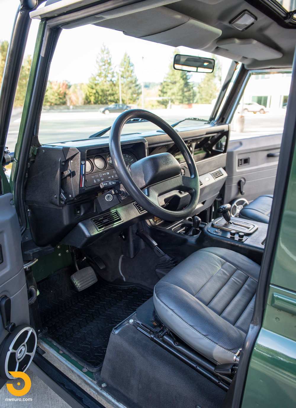 1997 Land Rover Defender 90 NAS-7.jpg