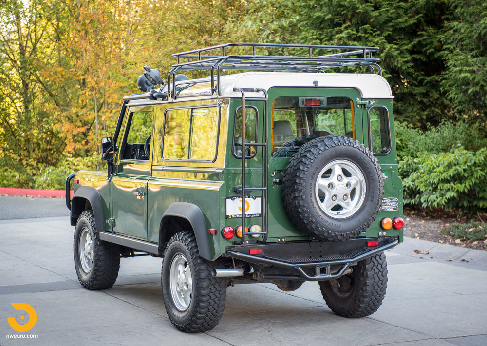 1997 Land Rover Defender 90 NAS-46.jpg