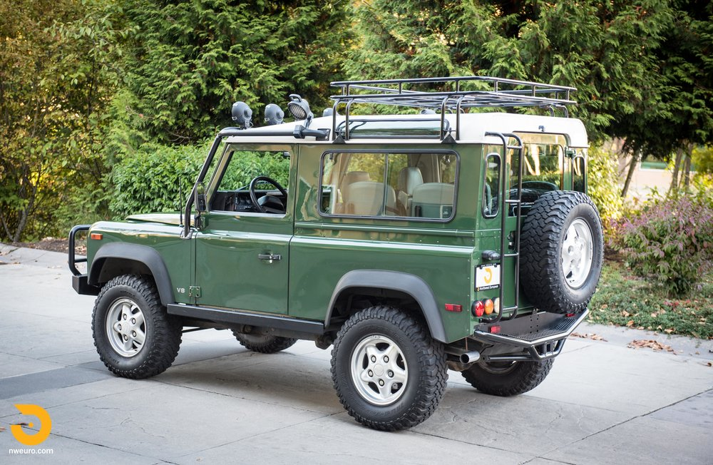1997 Land Rover Defender 90 NAS-47.jpg