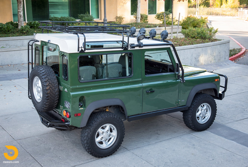 1997 Land Rover Defender 90 NAS-55.jpg