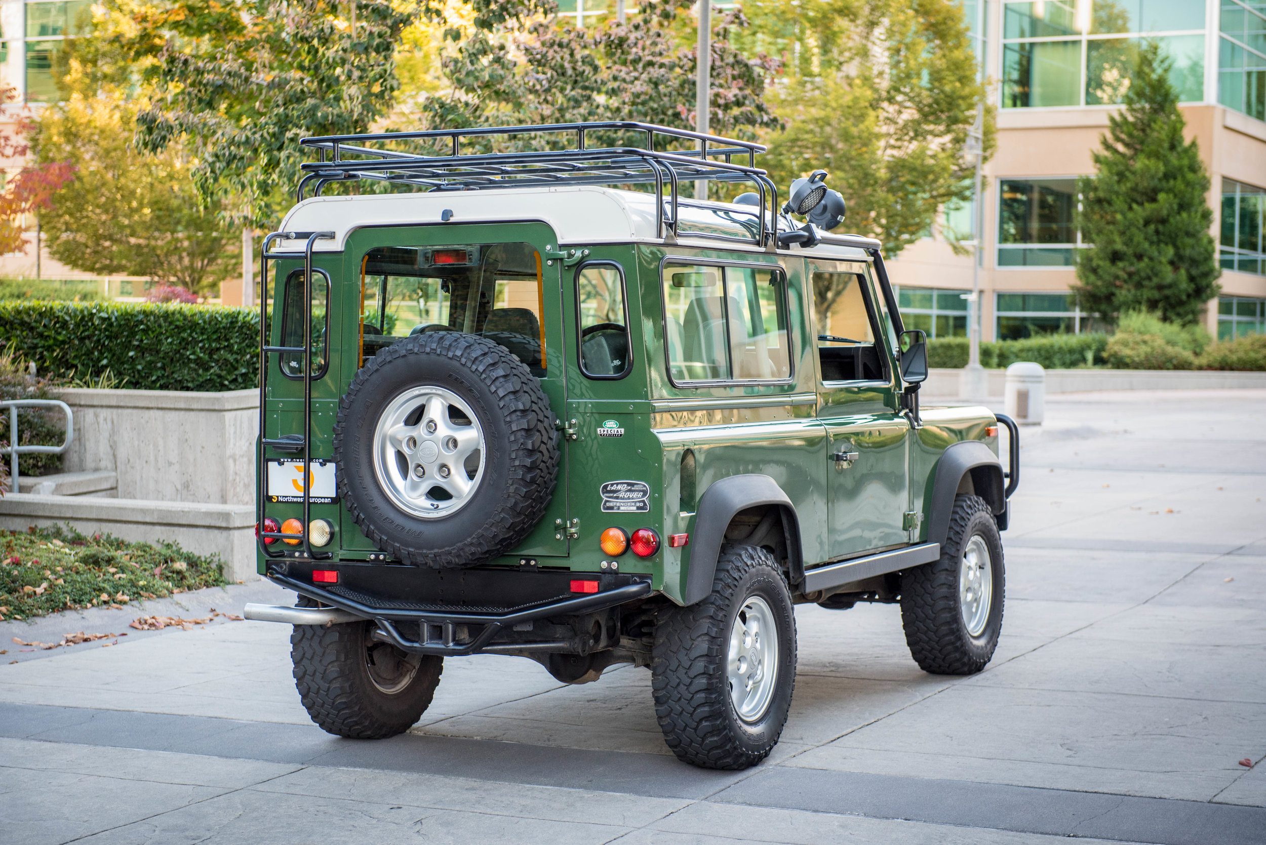 details bowler fast htm wagon defender land station landrover home rover stock conversion carsales xs road tires