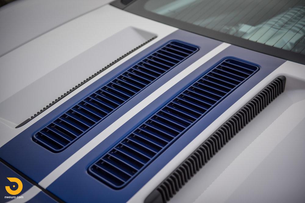 2005 Ford GT-16.jpg