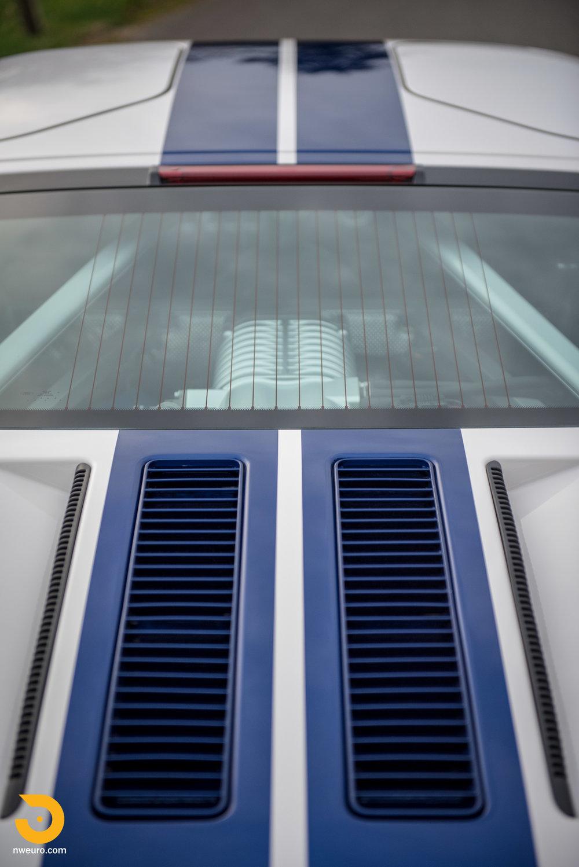2005 Ford GT-18.jpg