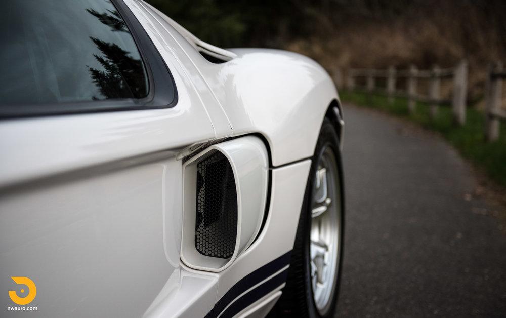 2005 Ford GT-21.jpg