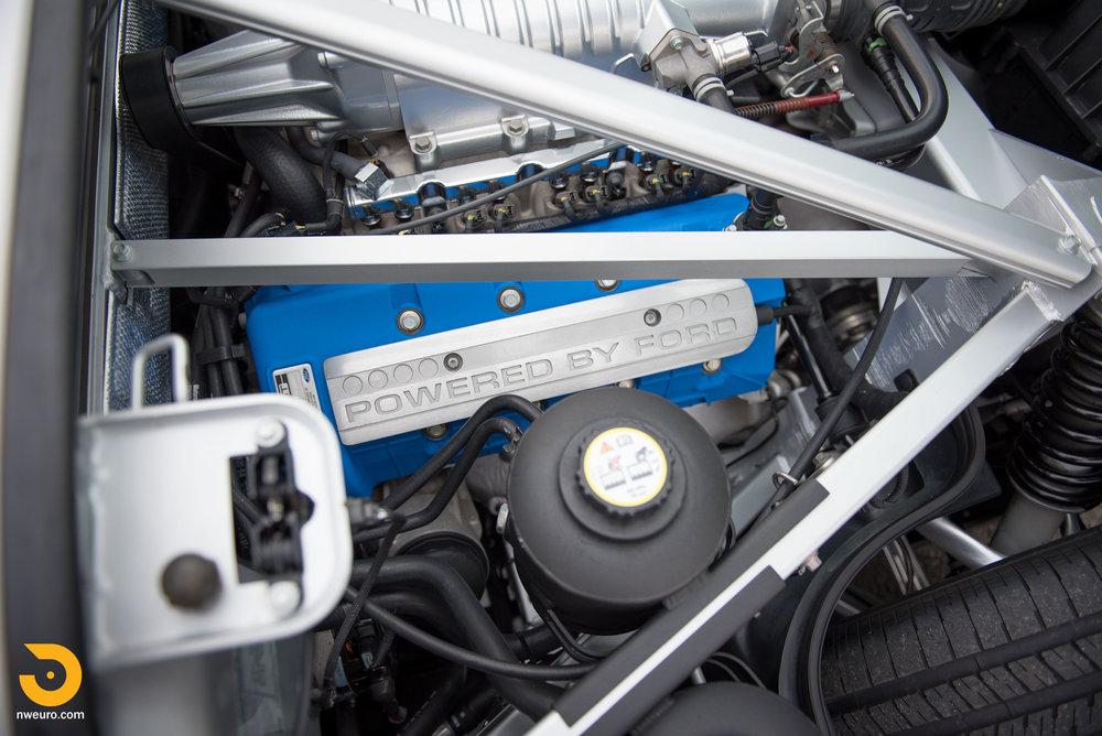 2005 Ford GT-27.jpg