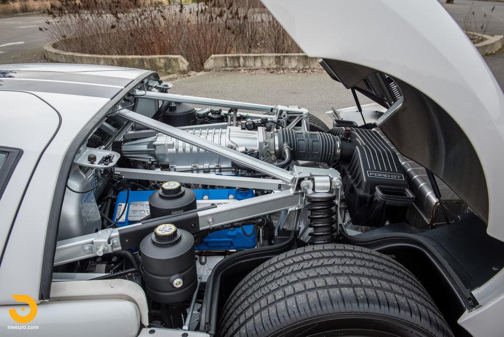 2005 Ford GT-29.jpg