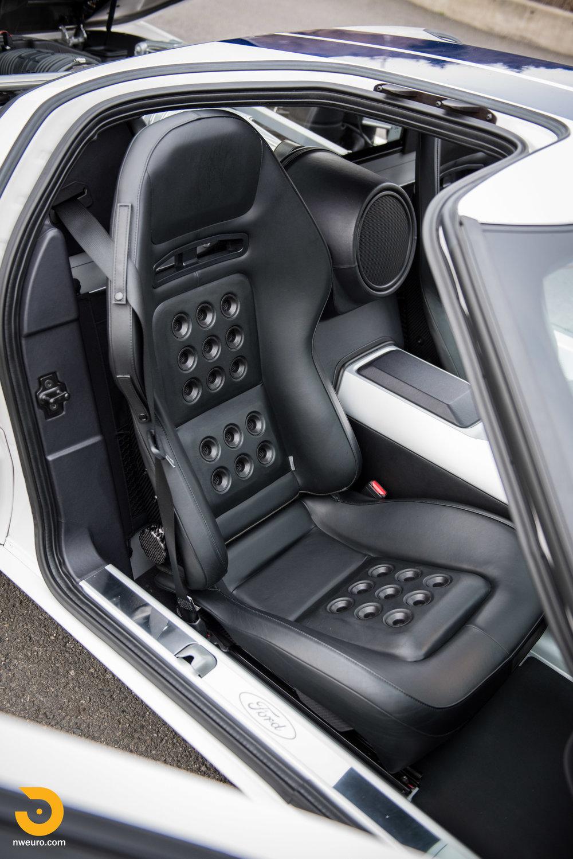 2005 Ford GT-40.jpg