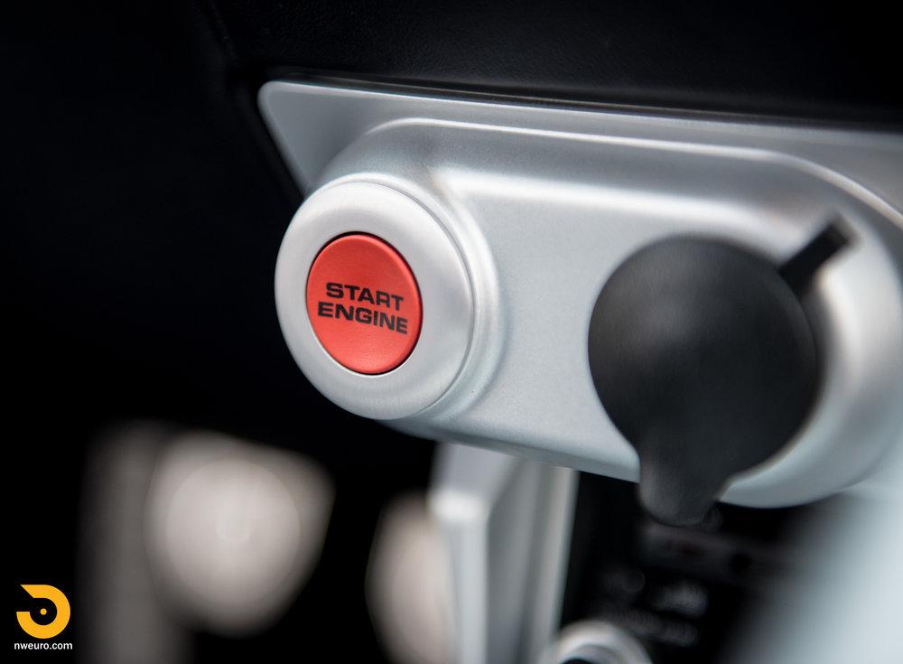 2005 Ford GT-46.jpg