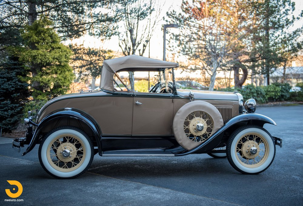 1931 Ford Model A Deluxe Roadster-9.jpg