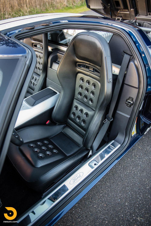 2006 Ford GT-25.jpg
