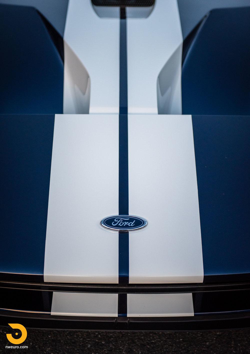 2006 Ford GT-32.jpg