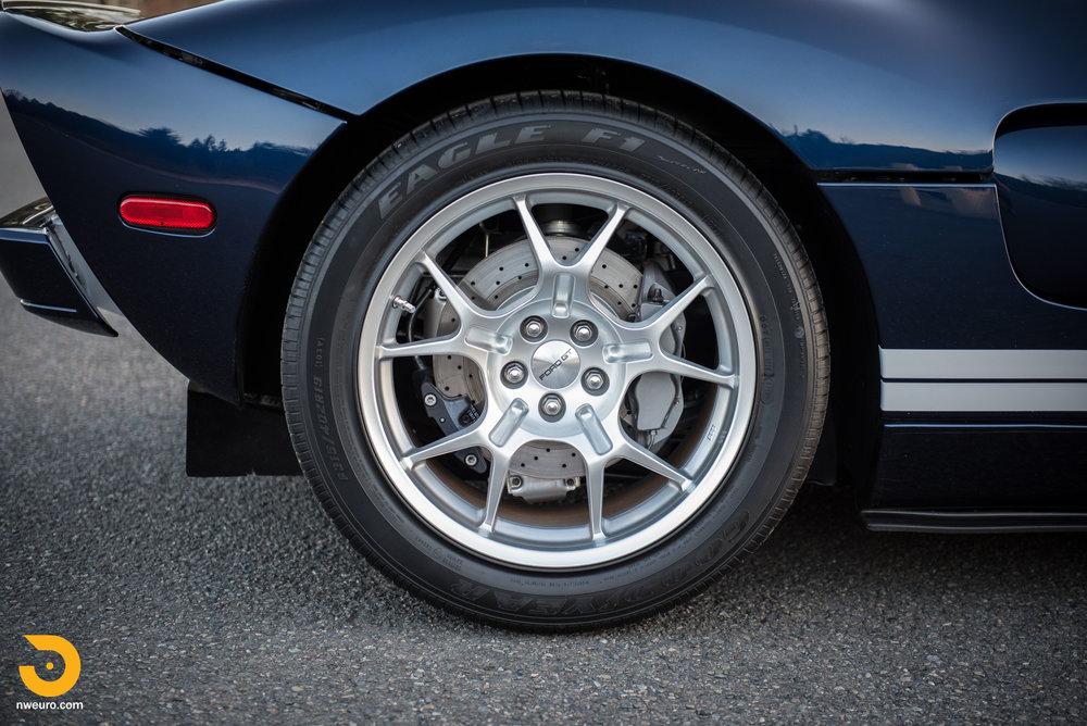 2006 Ford GT-42.jpg