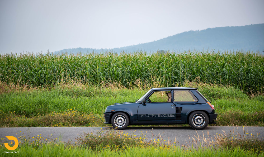 Renault on Corn-1.jpg